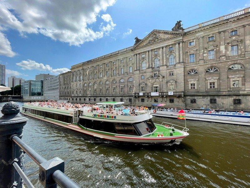 Berlin boat tour on Spree River