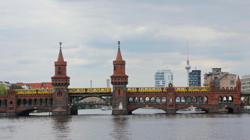 Berlin's Oberbaum Bridge free things to do