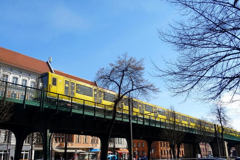U2 Ubahn line above ground - tips for getting around Berlin
