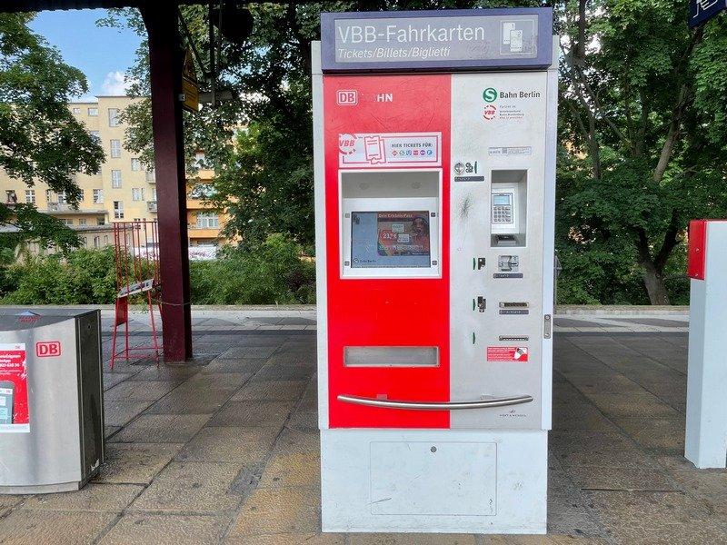 DB ticket machines - getting around Berlin transport system
