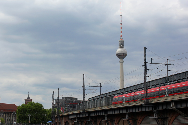 Berlin TV Tower with regional train - which train station in Berlin should you choose