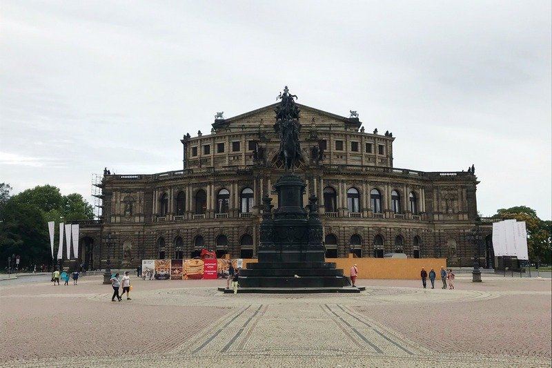 Dresden day trip Semperoper opera house