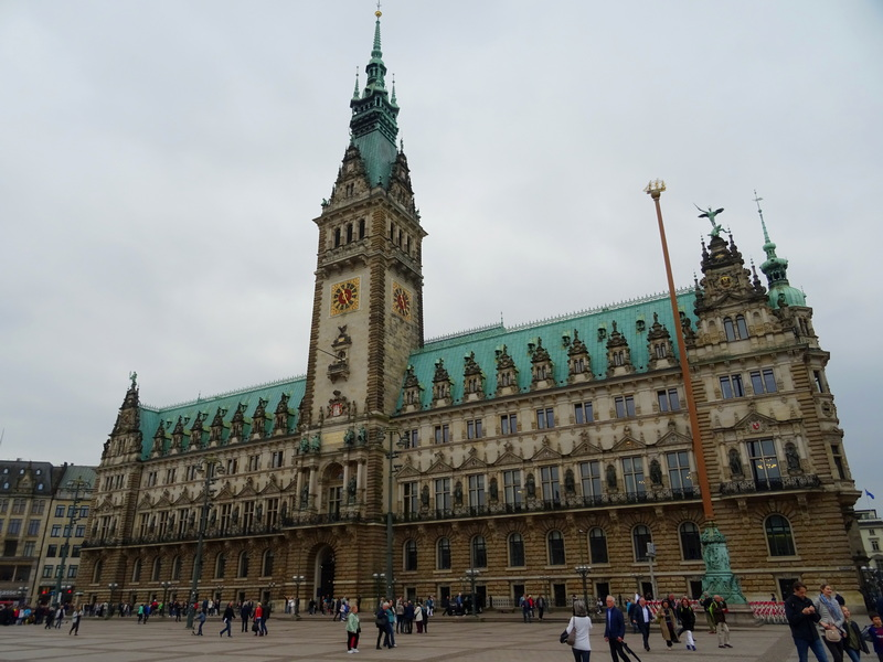 Hamburg Rathaus building what to do in Hamburg day trip from Berlin