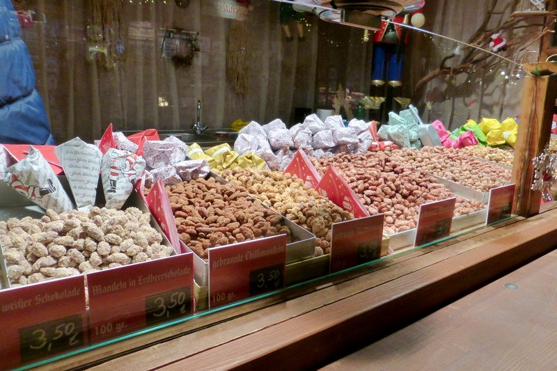 what to buy at a Christmas market in Berlin candied almonds